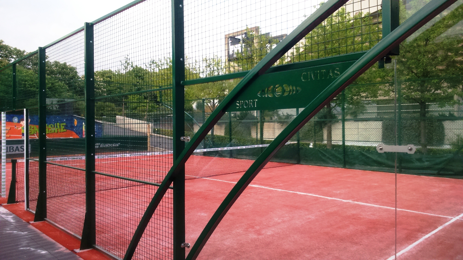 2 terrains de padel pendant Roland Garros