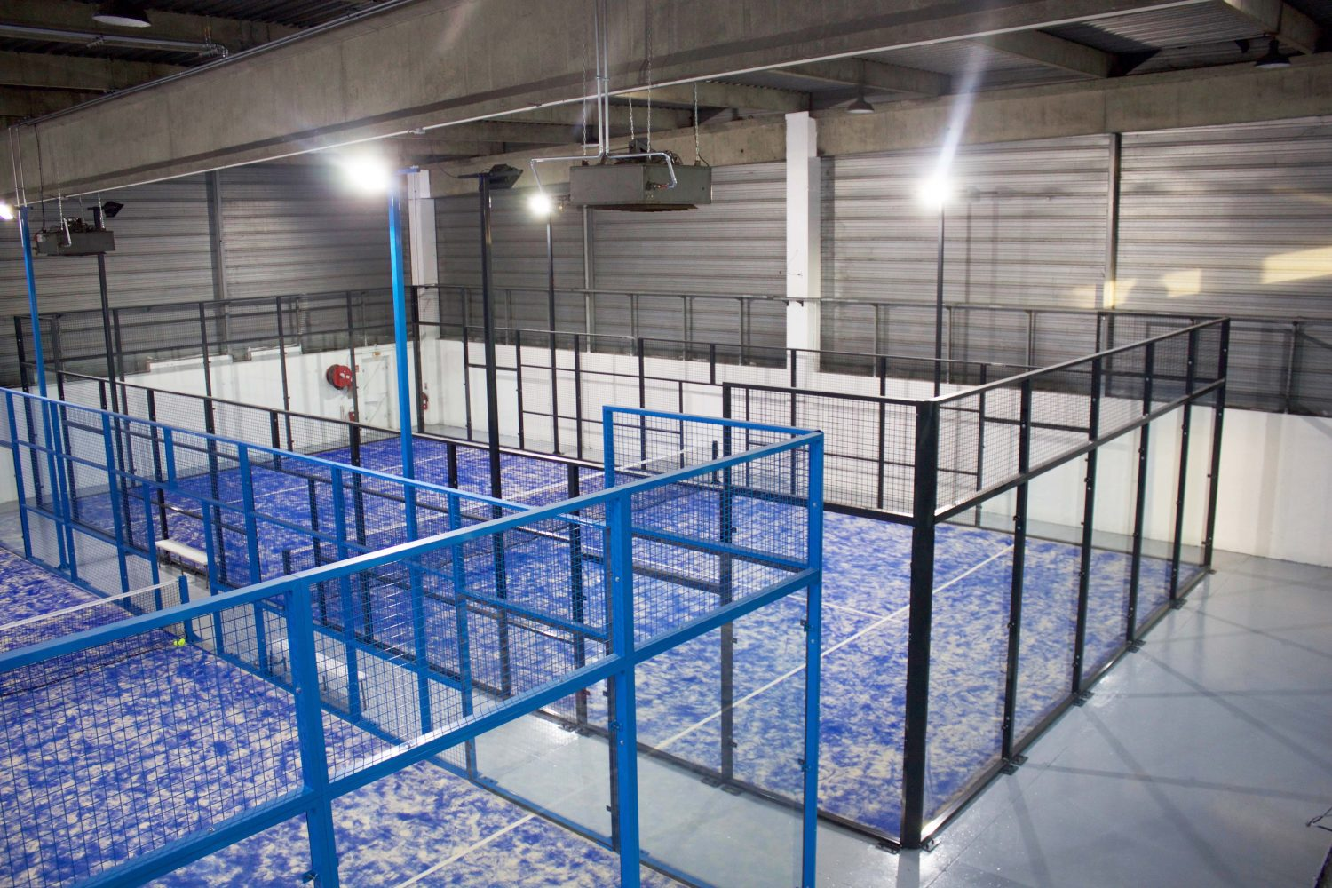 Padel Plus launches the first 2 fields of padel indoor in Val d'Oise