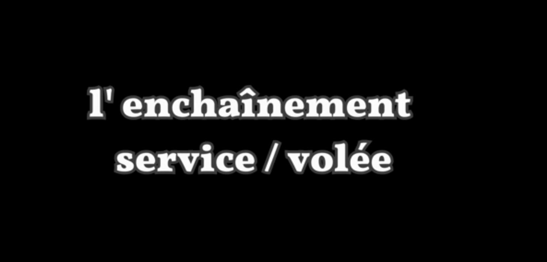 Enchaînememt padel : service, volée et smash