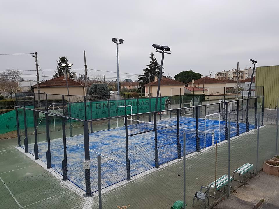 Le Tennis Club Bourg-de-Péage monte 1 terrain de padel