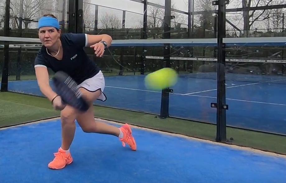 Tuto padel : Gira con la pelota (Parte 2)