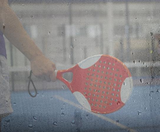 遊び方 padel 窓が濡れているとき?