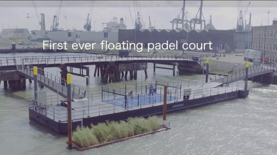 Le 1er padel flottant à Rotterdam