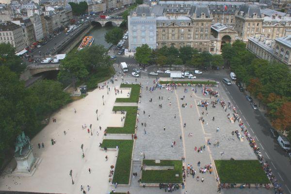 FFTマスター PADEL パリのノートルダム公園のツアー