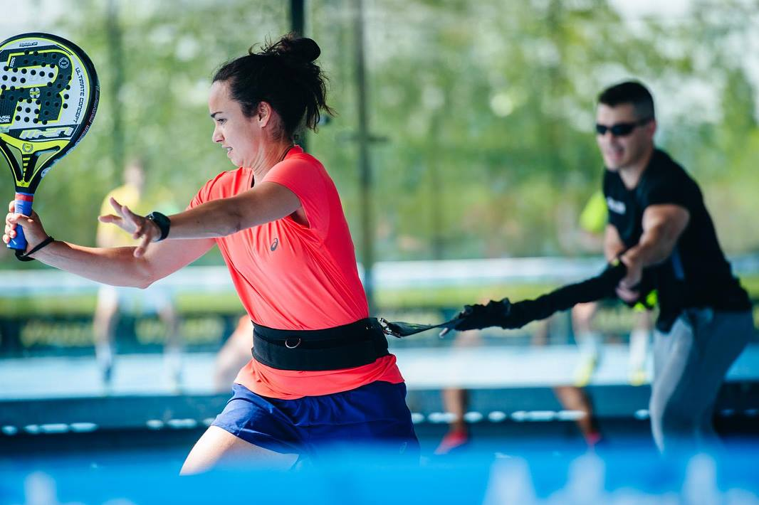 Sarah Pujals: pratica padel e corda