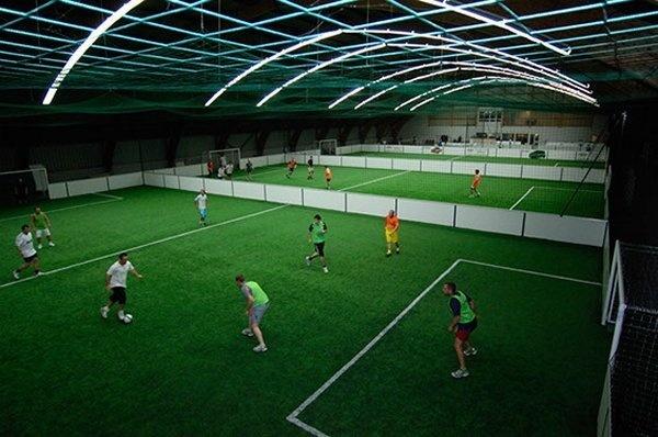Confrontation entre fédérations et secteur privé : le cas du football indoor