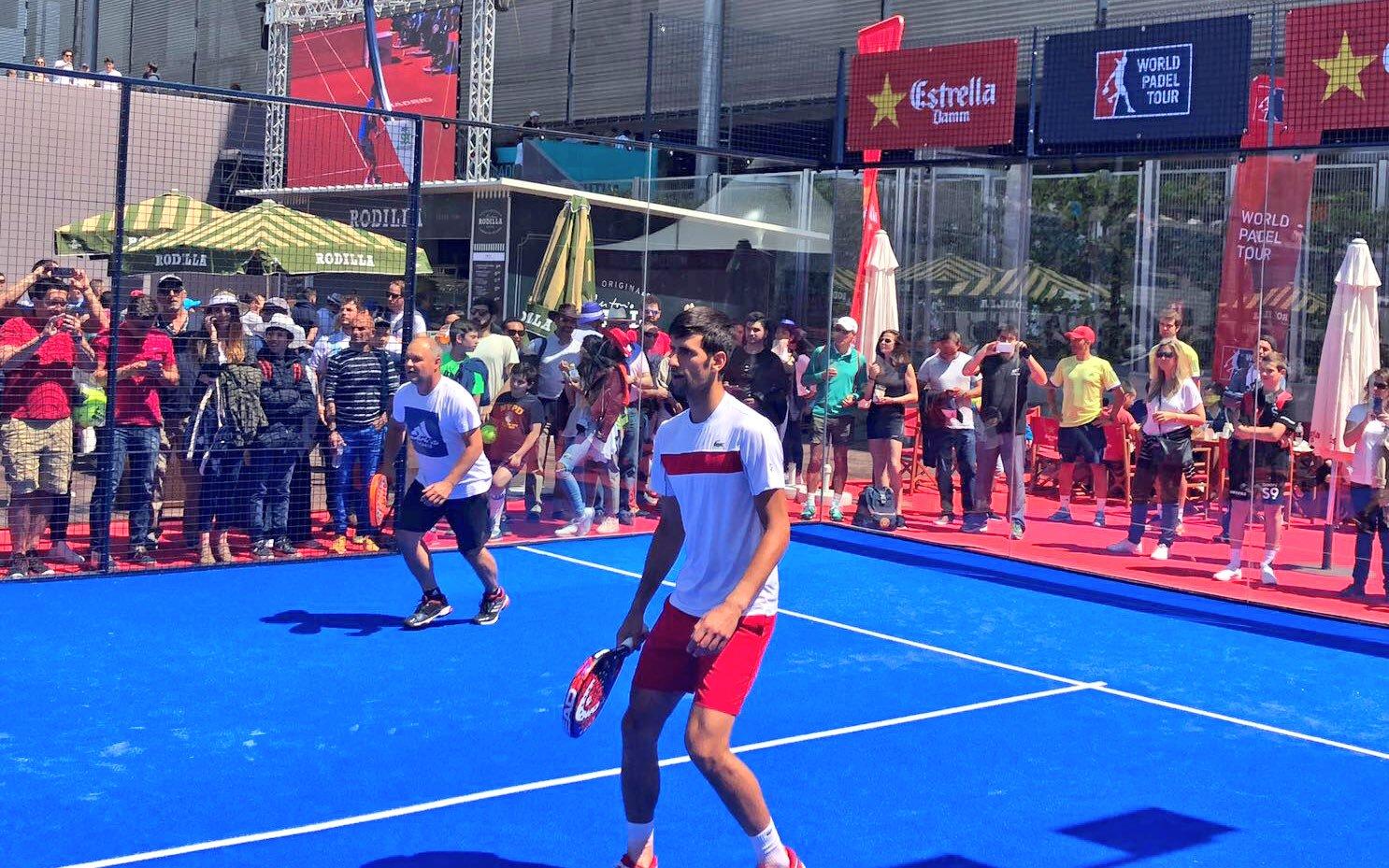 Encore du padel pour Djokovic