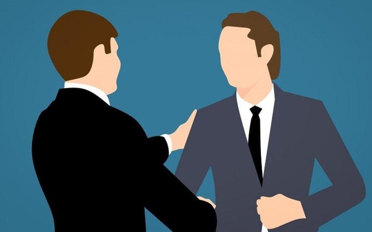Un espace professionnel spécifique : relations entre dirigeants et salariés