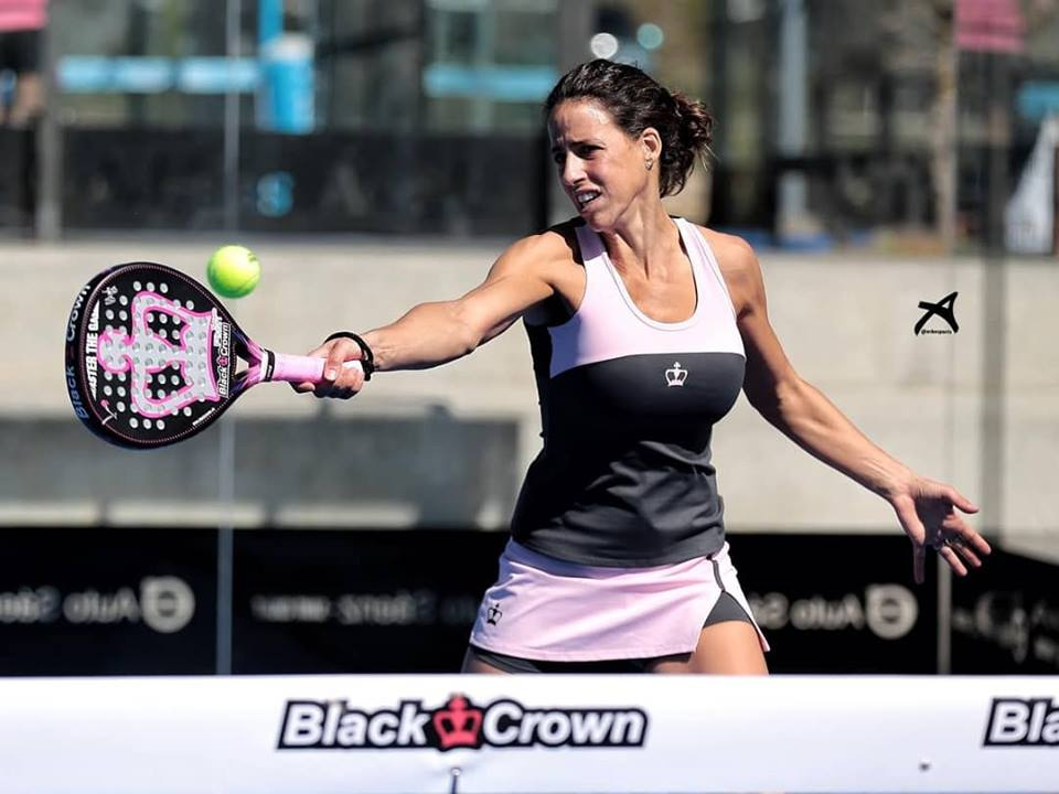 Marta Marrero joue avec une nouvelle pala