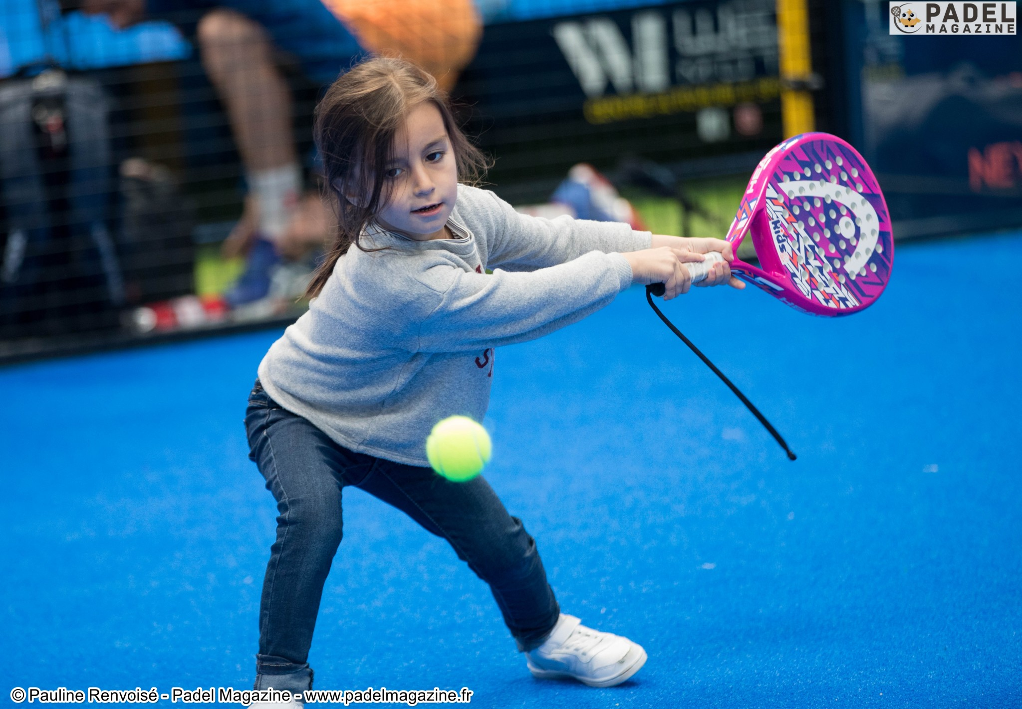 Le padel indoor only for minors on May 19?