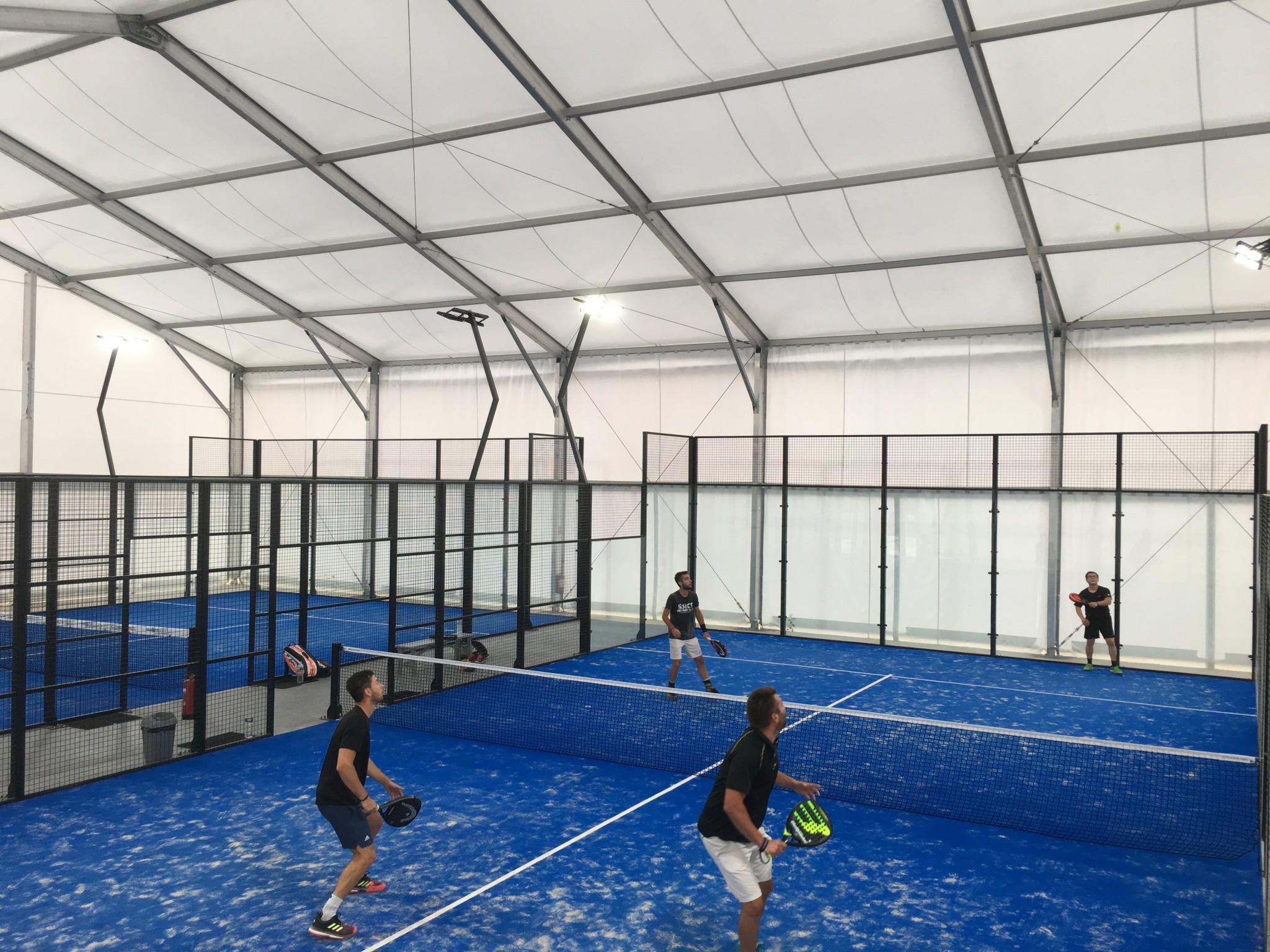 Snowshoe Planet: Padel in Fontainebleau!