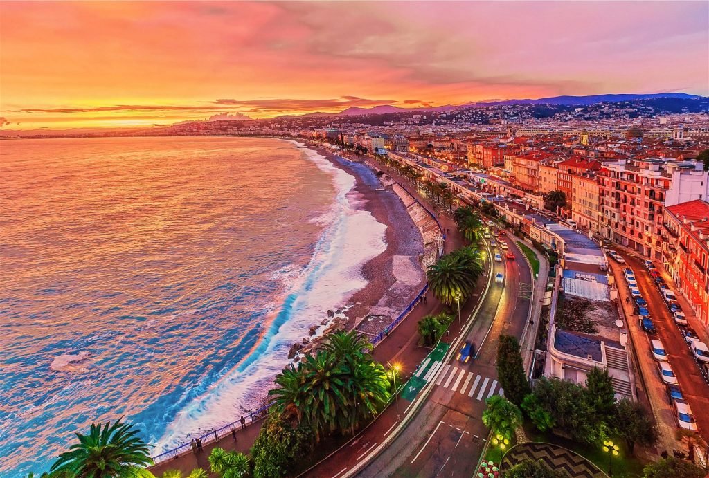 Where to play padel in Nice?