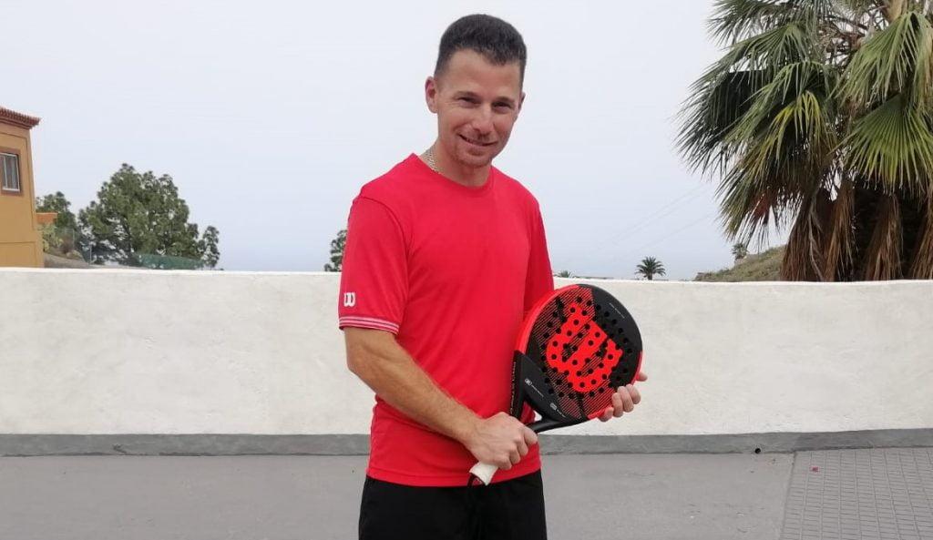 Julien Bondia podpisuje kontrakt z Wilsonem Padelem
