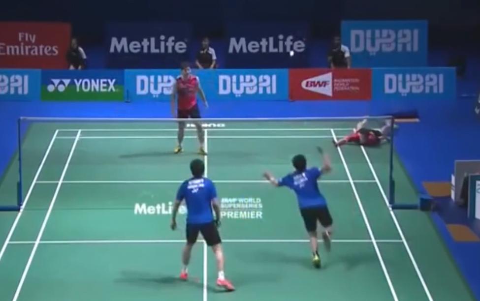 Badminton vs Padel