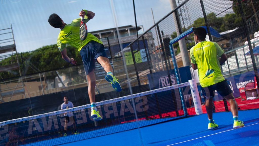 Juan Tello zerschmettert Suspension World Padel Tour