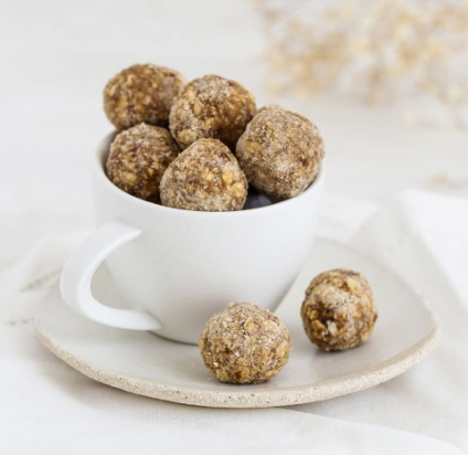 Monday Box energy balls