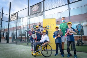 Black Crown children adapted padel