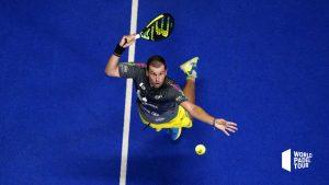 Paquito Navarro hoher Ball