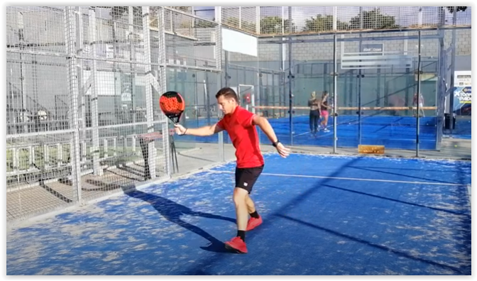 Padel technique: the forehand volley