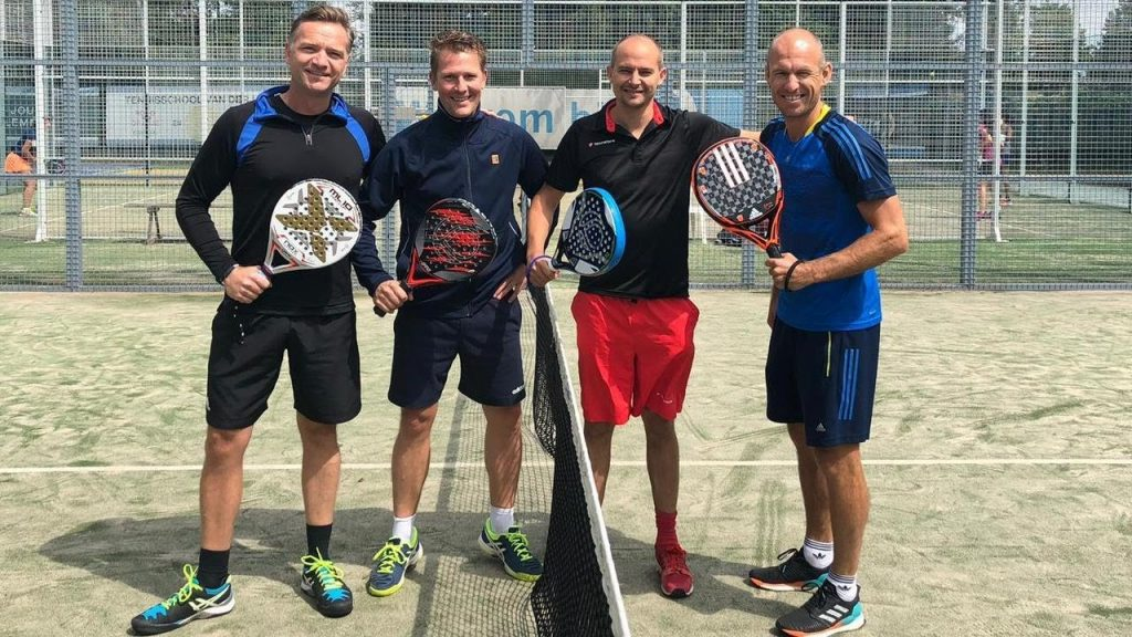 arjen robben plays padel