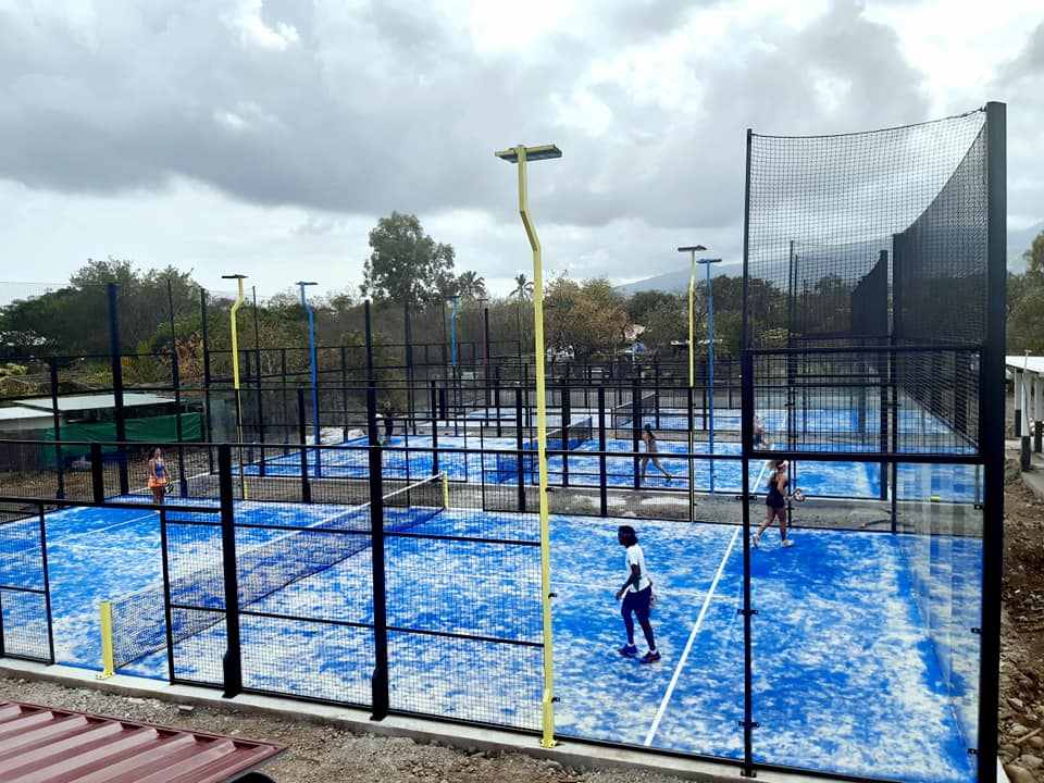 meeting padel club 3 blue courts