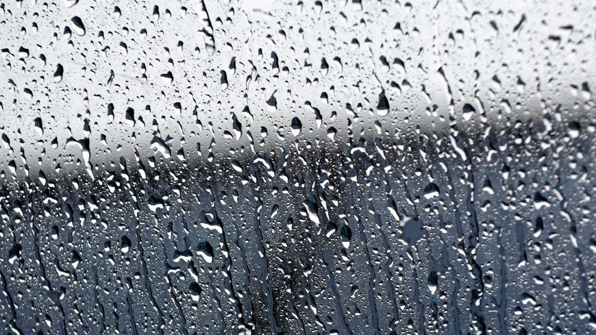 Quale strategia a padel in caso di pioggia?