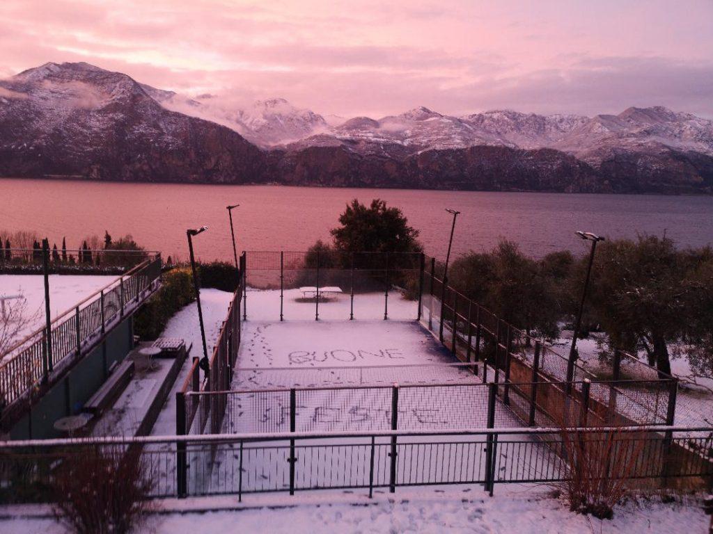 Le lac de Garde : Un padel féérique à Tennis Cassone