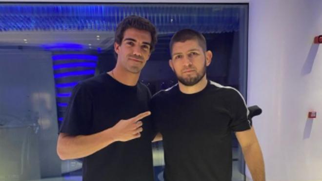 Juan Lebrón initie Khabib Nurmagomedov au padel à Dubaï