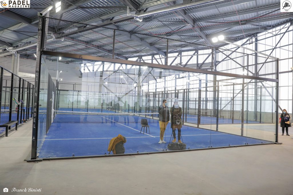 tutti in padel campo panoramico indoor