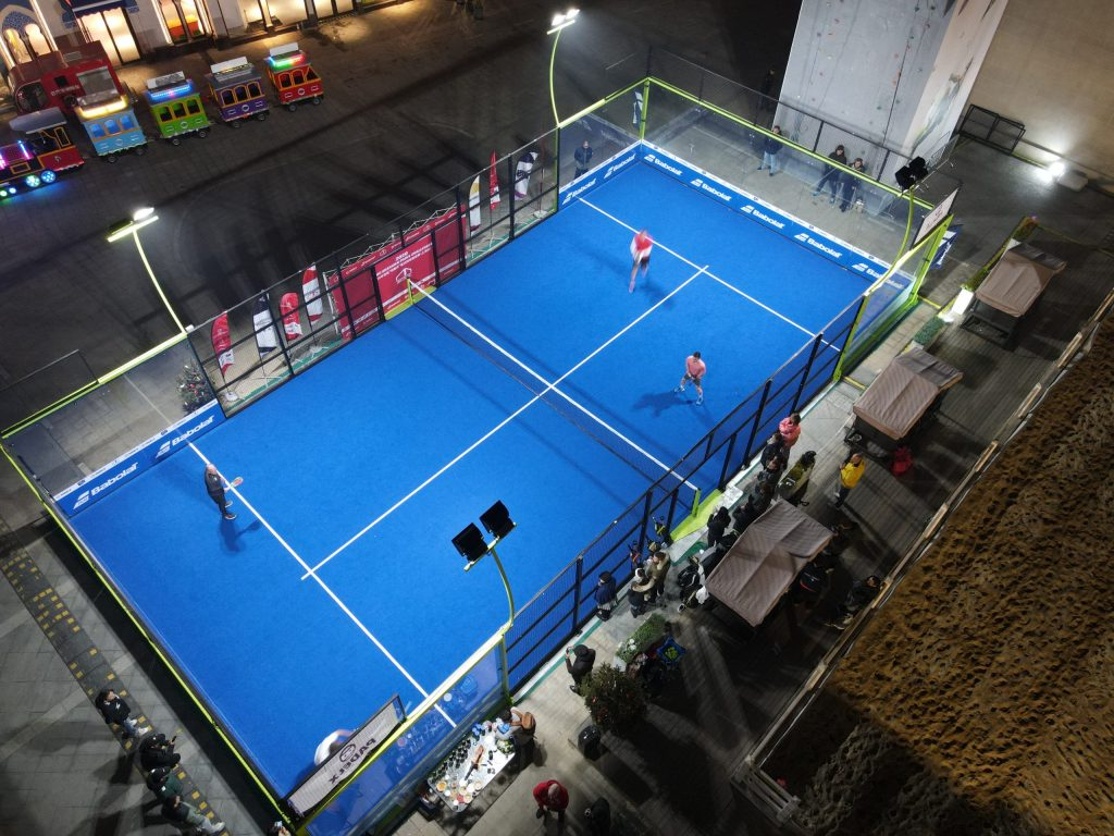 warkot-padel-sky-night-terrain-blue-player-