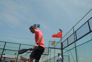 padel chine raquette terrain drapeau