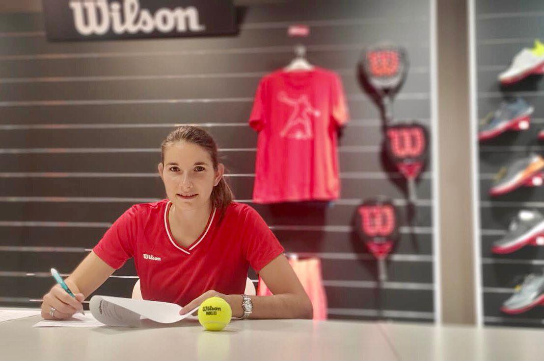 Alix Collombon signs with Wilson Padel !