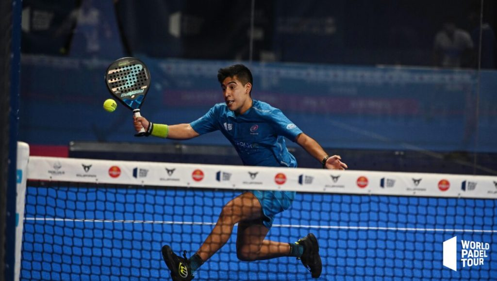 Federico Chingotto volée world padel tour