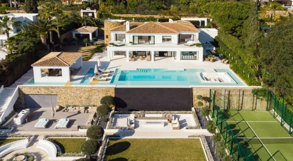 Villa + court de padel à vendre à Marbella : intéressés ?