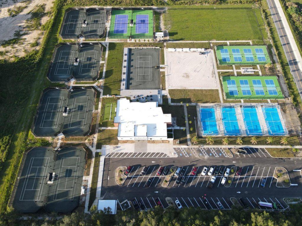 Blick vom Himmel SVB Padel Tennis USA