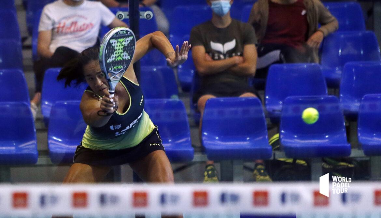 Léa Godallier forehand topspin wpt alicante