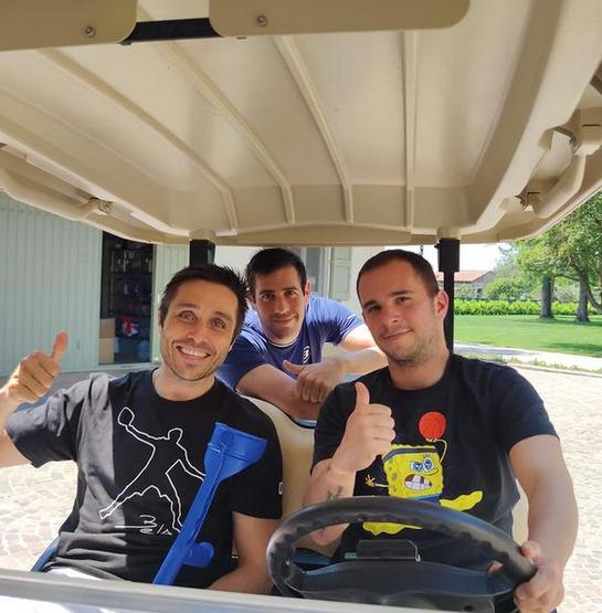 Fernando Belasteguin bereidt golfwagen voor