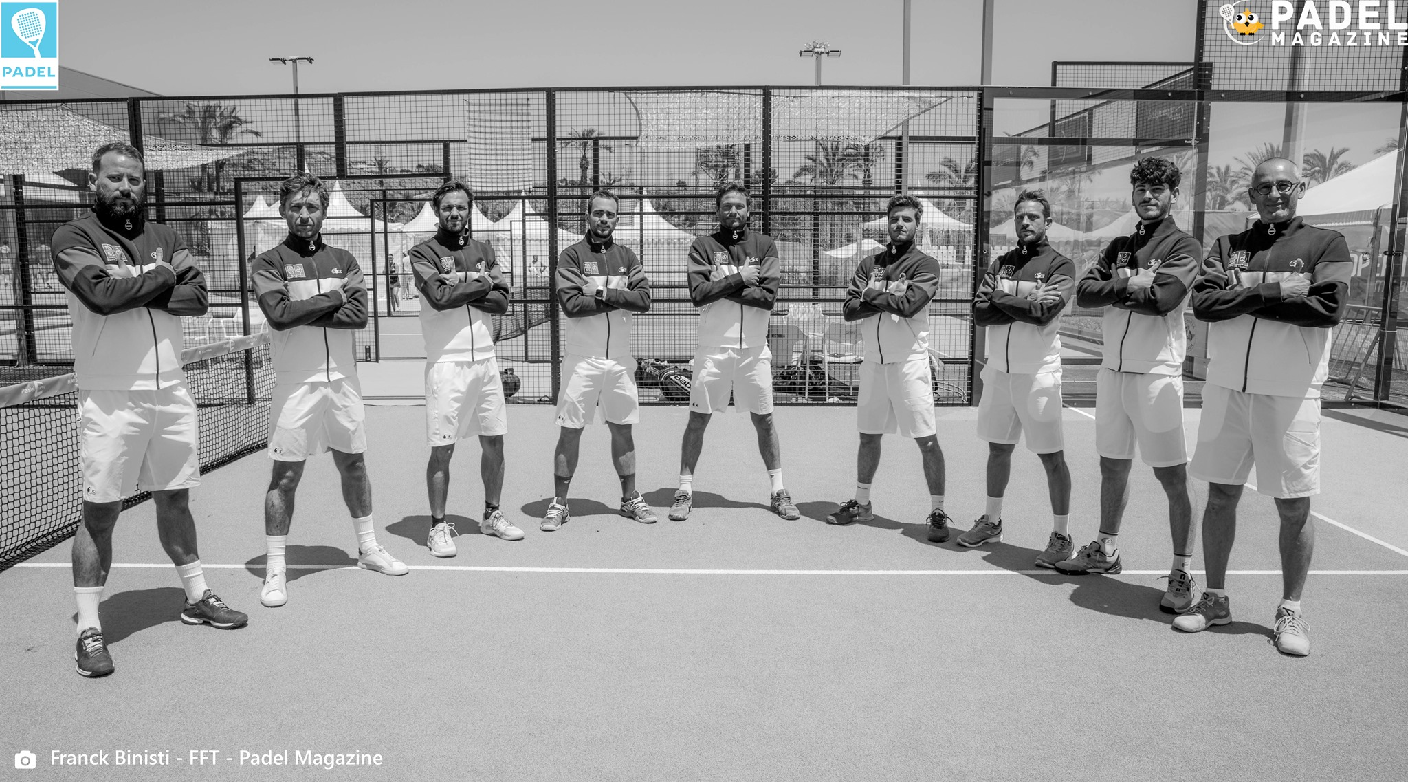 Equipe de france padel europe 2021 bras croisés noir et blanc
