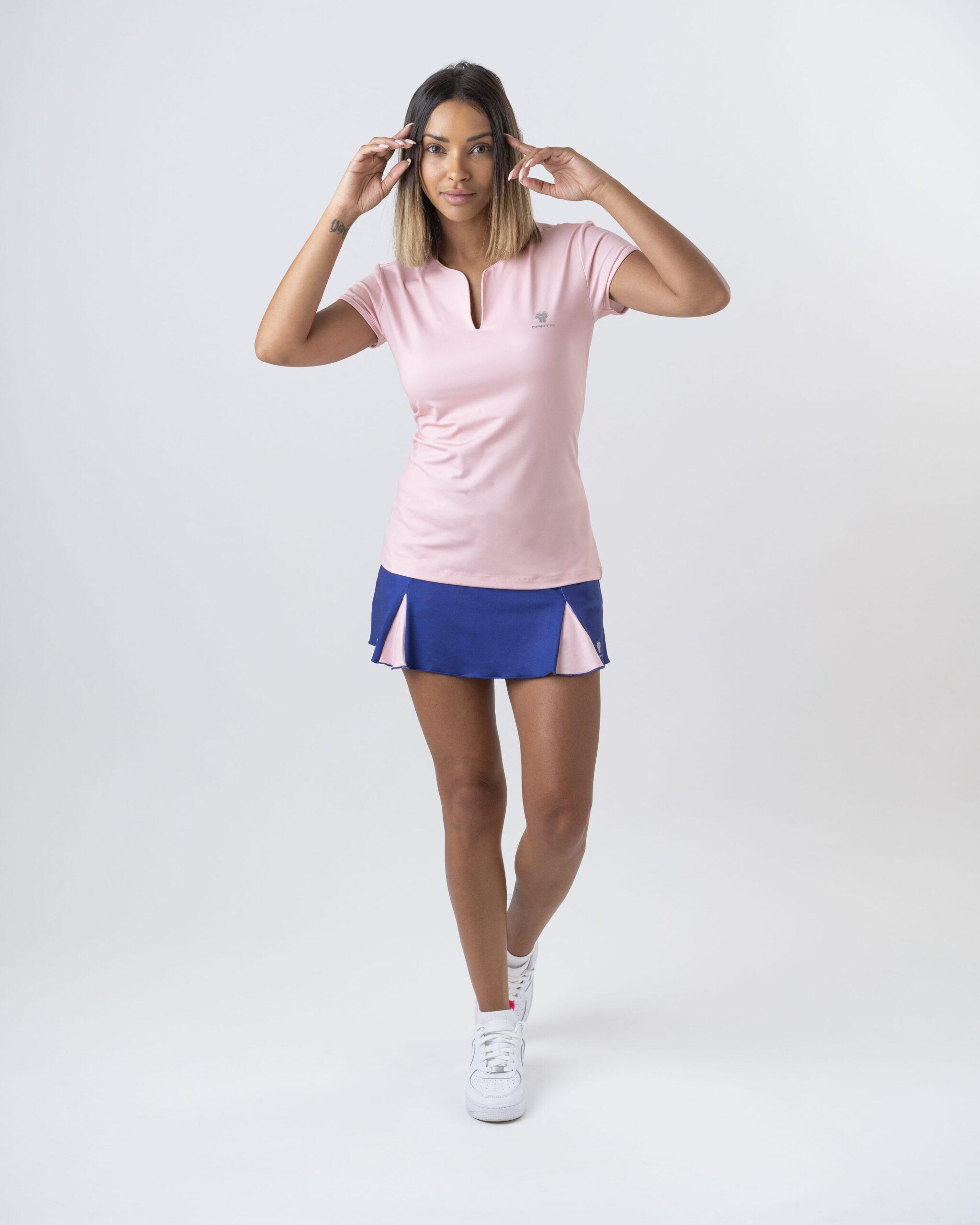 アミアンは2021年にカルトリのTシャツの女性に直面します