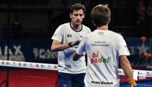 Diestro Fernandez klopft in die Hand WPT Barcelona Master 2021