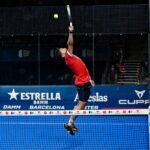 Agustin Tapia Reprenant balle haute