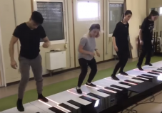 pies de piano de pádel